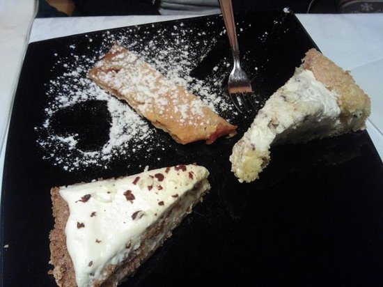 Pyramidencafe : tris di torte