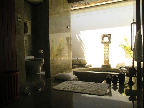 The Oberoi, Lombok: Notre salle de bains