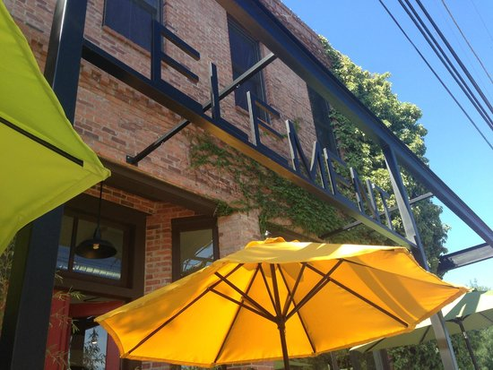 The Hanford House Inn: Element restaurant