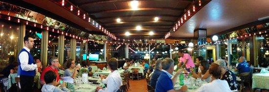 Club Residence Pianeta Maratea: La sala interna del ristorante