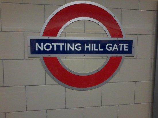 London Underground: Il cartello della stazione di Notting Hill Gate