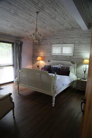 The Sherwood Hideaway: Lodge 13 - taken from the bedroom door