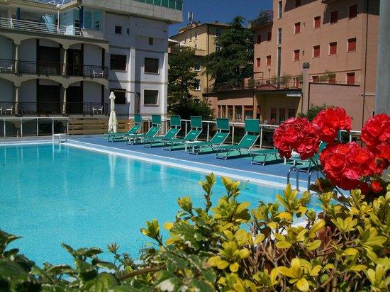 Grand Hotel Ambasciatori: Piscina