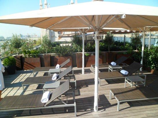 Hotel Duquesa de Cardona : Rooftop sun lounge area
