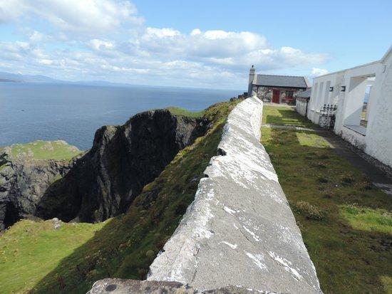 Clare Island Lighthouse: lighthouse compound