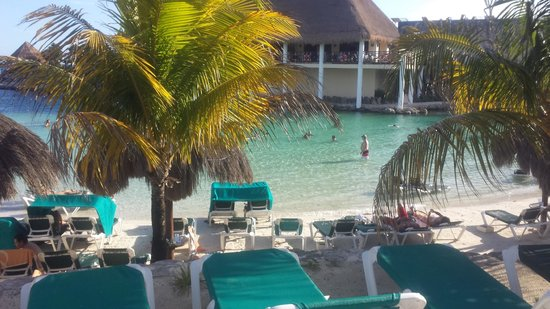 Occidental Grand Xcaret All Inclusive Resort: Beach view