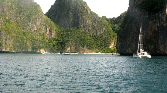 No Gravity Dive Center: Maya Bay