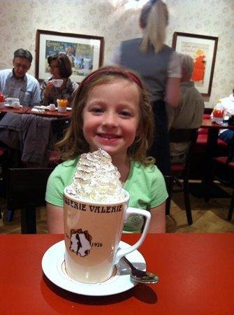 Patisserie Valerie Northbridge: delicious hot chocolate!