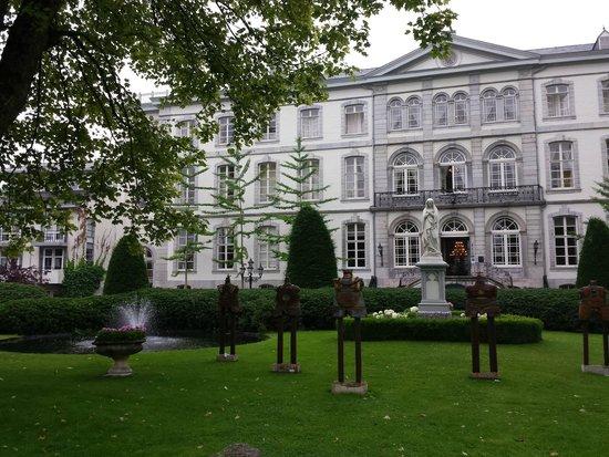 Kasteel Bloemendal: Территория отеля