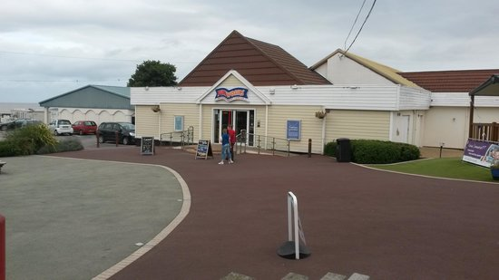 Doniford Bay Holiday Park - Haven: Entrance to the complex.