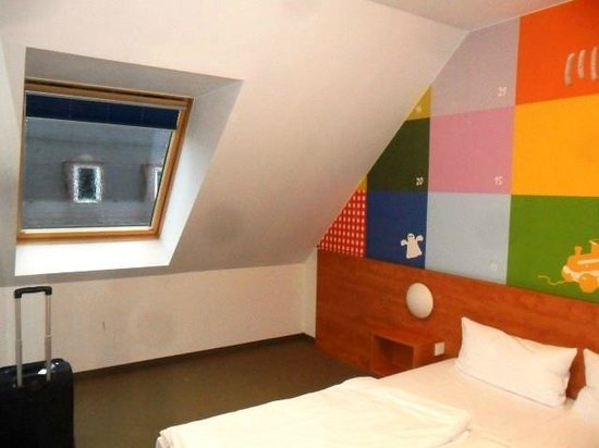 B&B Hotel Nuernberg-City : camera a due letti