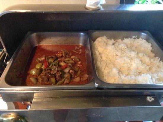 Centara Chaan Talay Resort & Villas Trat: ข้าวแกง มีแต่วิญญาณมะเขือ และไม่เติมอีกเลย