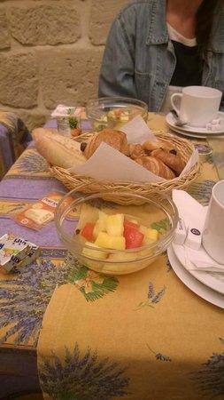 Hotel du Palais Bourbon: Breakfast