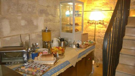 Hotel du Palais Bourbon: Breakfast buffet