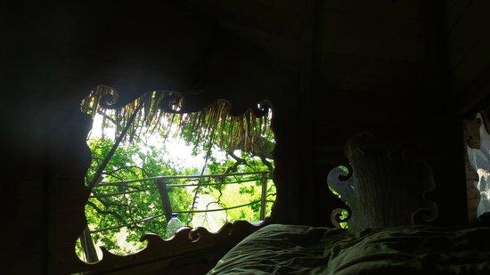 Les Cabanes de Fontaine: magique allongé dans son lit