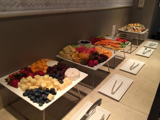 Sheraton Austin at the Capitol: Appetizers in club evenings 730-1030