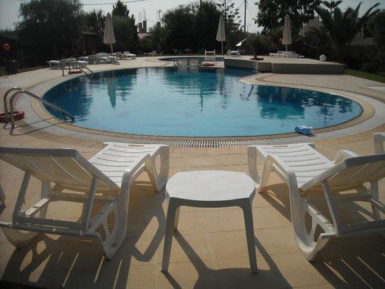 Portokali Apartments: swimming pool!!