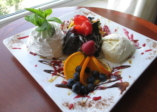 Hilton Garden Inn Manchester Downtown: This was the treat that Vlad created, and management sent up to me!