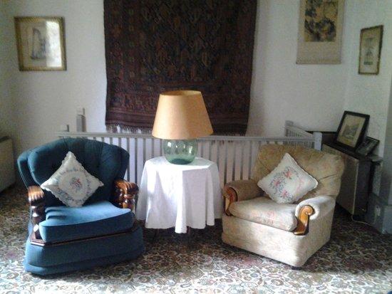 Chillingham Castle: Landseer Lounge