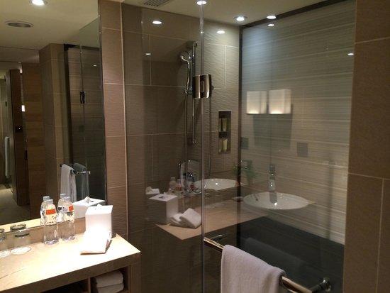 Hotel Cozzi Zhongxiao Taipei: コンフォートルーム バスルーム