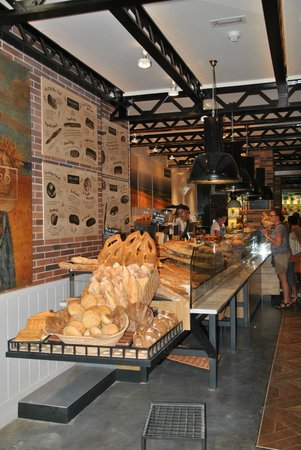 Hotel Praktik Bakery : Bakery counter