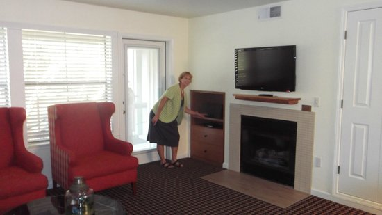 WorldMark Angels Camp: TV Living room