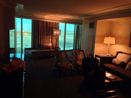 Four Seasons Hotel Las Vegas : Living room