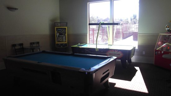 Angels Camp, Калифорния: Game room
