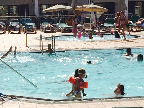 Bitacora Club: Pool is fab