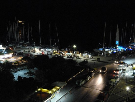Villa Apollon Skiathos: Port are at night