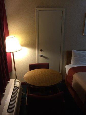 Super 8 Carlisle North : Room 101