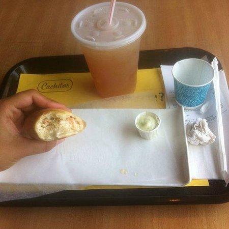 Cachitos: J'y ai pris un cachito  à la crème et au saumon