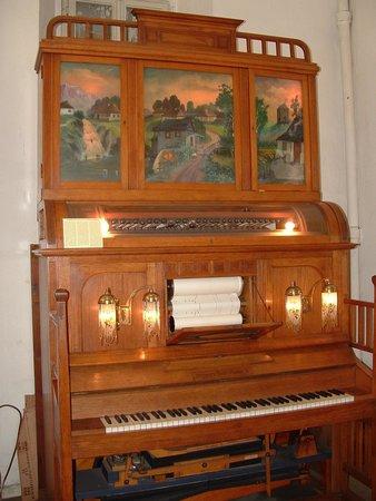 Siegfried's Mechanisches Musikkabinett: A very interesting player piano