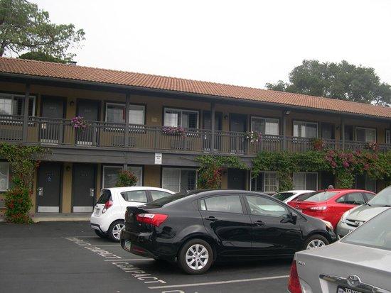 Super 8 Monterey/Carmel: esterno