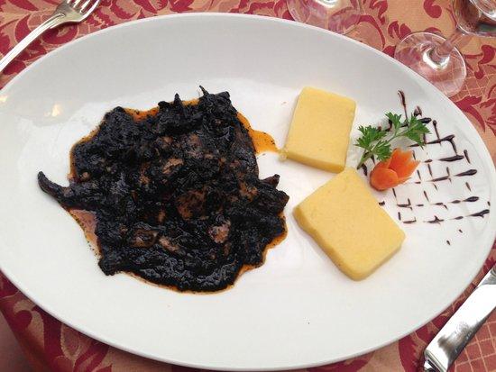 Vino Vino : Каракатица с кукурузной кашей