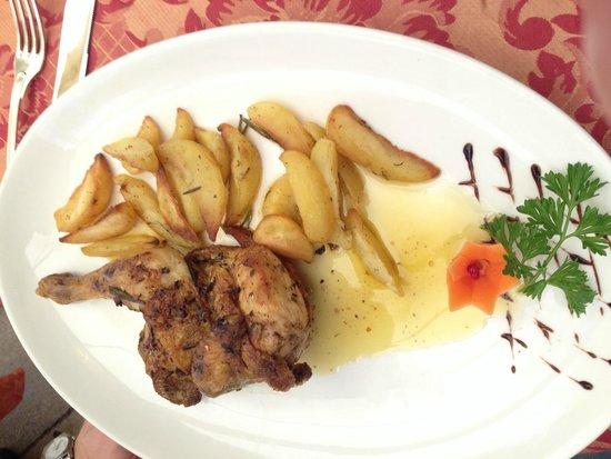 Vino Vino : Цыпленок с картофелем