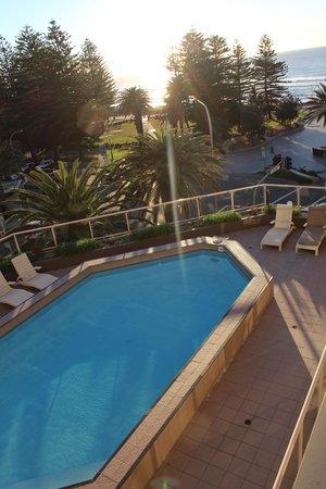Rydges Cronulla: la piscine (déserte, parce que froide)