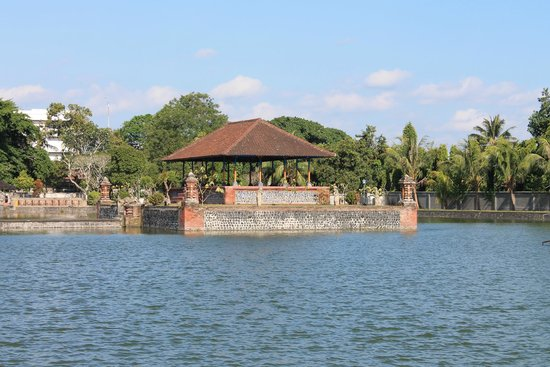 Картинки по запросу Водный дворец Майюра