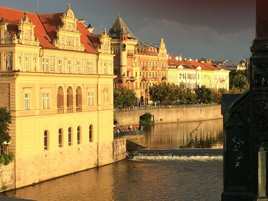 Prague Marriott Hotel: romantic city