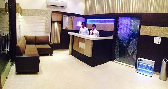 Hotel KK Continental: front office