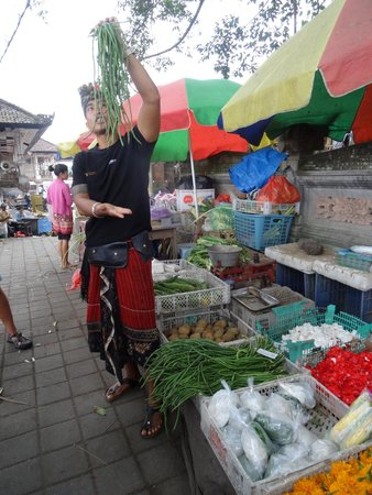 Lobong Culinary Experience: Market tour