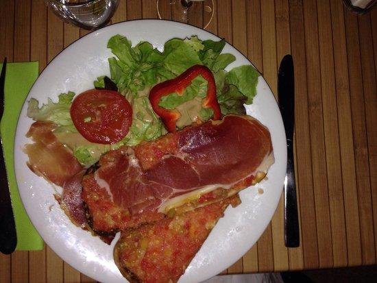 are y sem : Pan con tomate et son jambon serrano