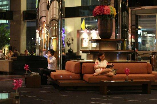 Novotel Bangkok on Siam Square : Lobby