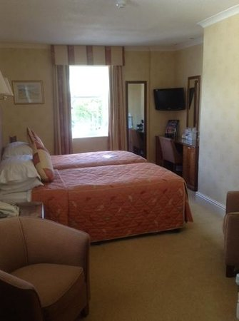 BEST WESTERN Ambleside Salutation Hotel: double room at the back.