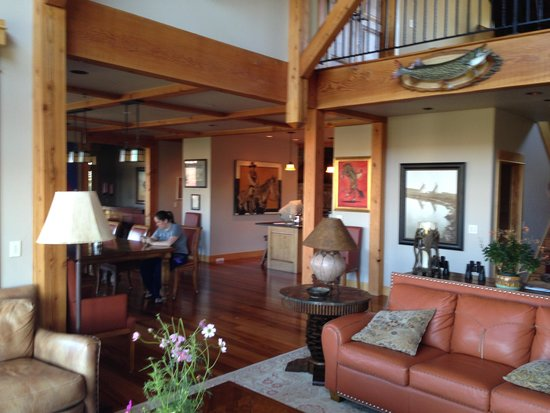Grey Cliffs Ranch: Main Floor of Ranch
