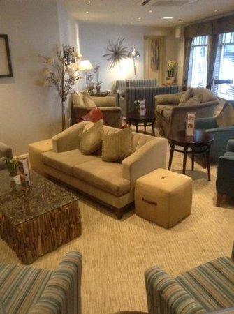 BEST WESTERN Ambleside Salutation Hotel: loads of seating areas