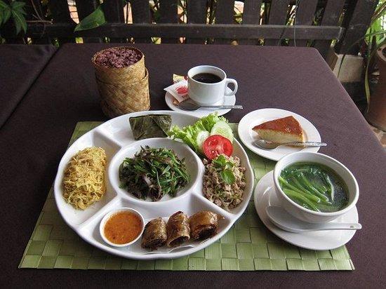 ソンパオ, lao set