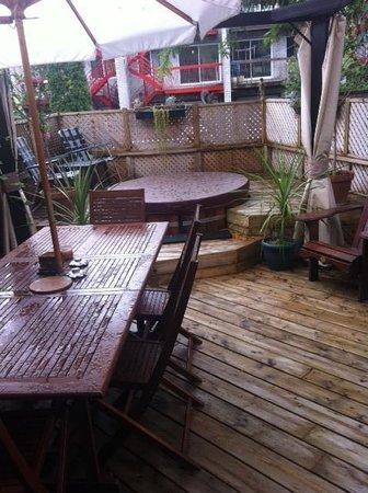 Repos & Manna B & B : Relaxing professionally designed patio