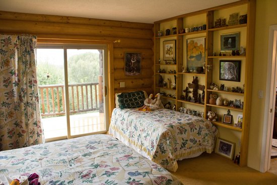 Moose Gardens Bed and Breakfast: Second bed in the Bird Suite