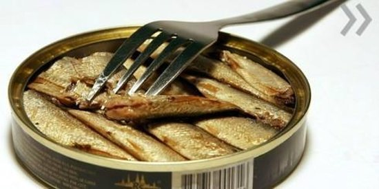 Russian Hut: Sprats - best ever starter from Riga!